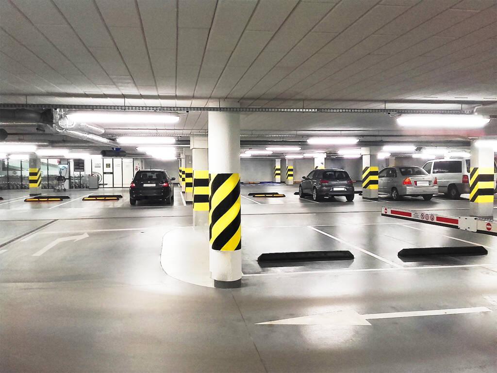 Posadzka żywiczna kolorowa w garażu podziemnym w Zakopanem 5