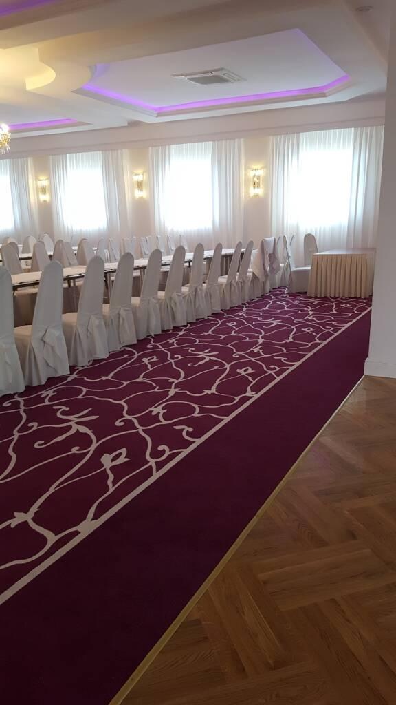 Wykładzina dywanowa w restauracji w Czarnym Lesie – wzór zaprojektowany dla klienta 8