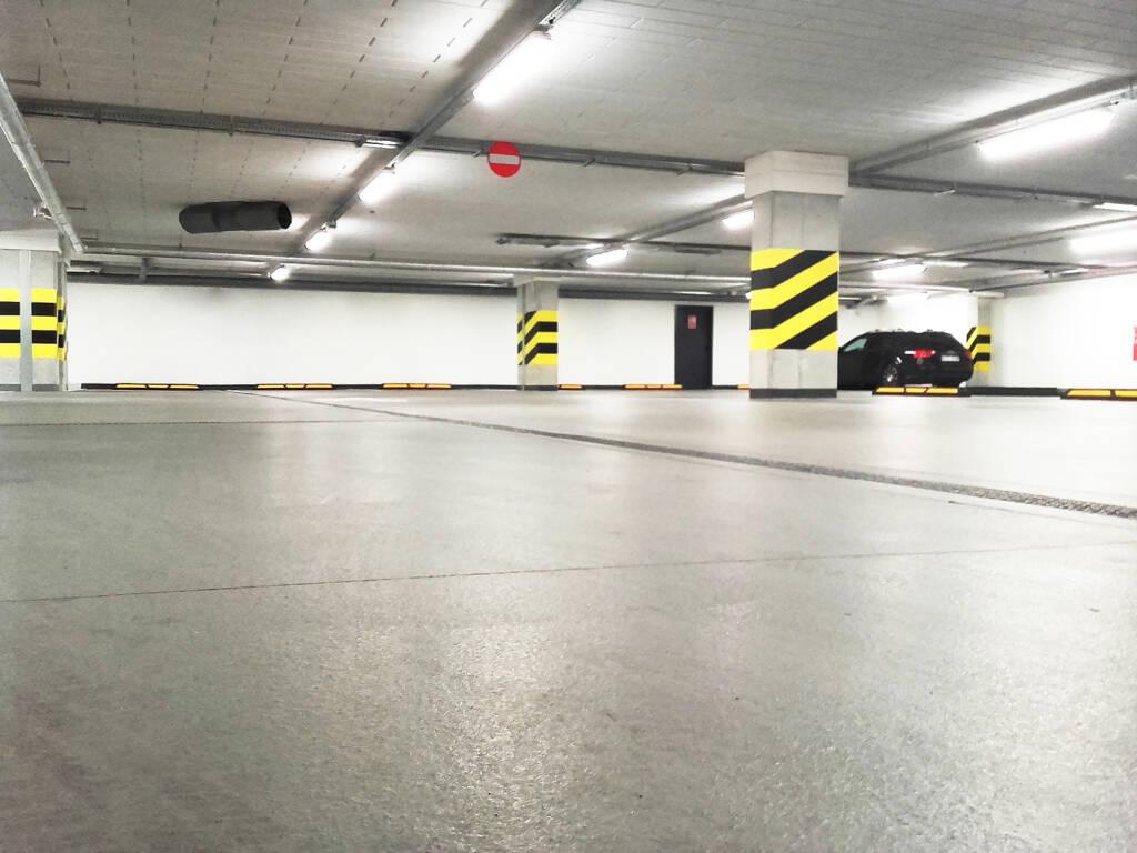 Posadzka żywiczna kolorowa w garażu podziemnym w Zakopanem 2